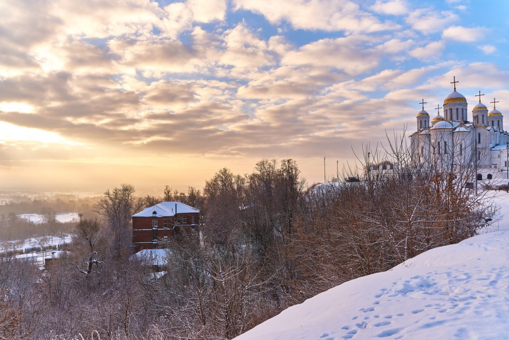 Декабрьский рассвет во Владимире 02