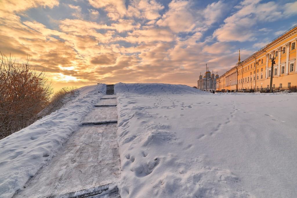 Декабрьский рассвет во Владимире  03