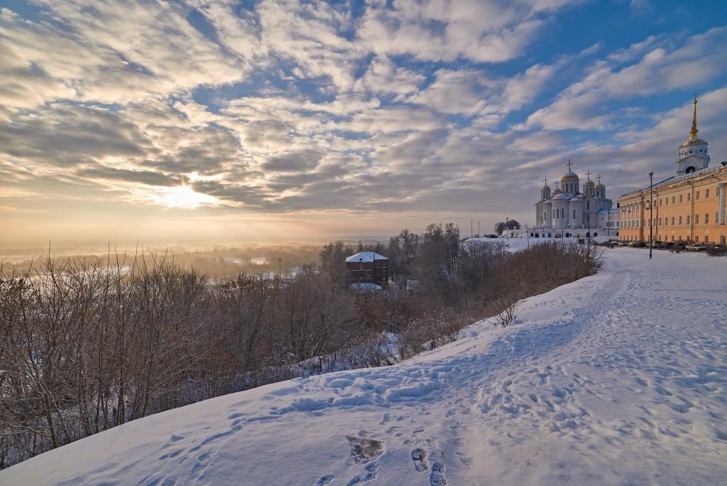 Декабрьский рассвет во Владимире 07