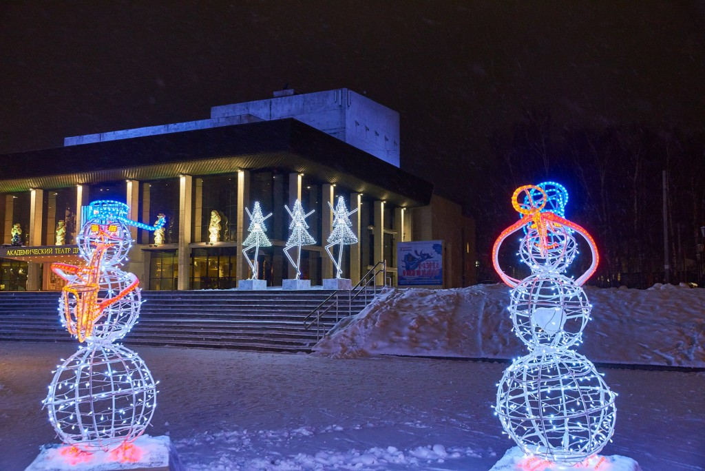 Как украсили театральную площадь Владимира 03