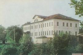 Муром. Здание краеведческого музея (дом Зворыкиных). Вид со стороны Оки (1983)