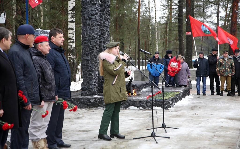 Открытие памятника Герою Советского Союза В.Ф. Маргелову в Мелехово 02