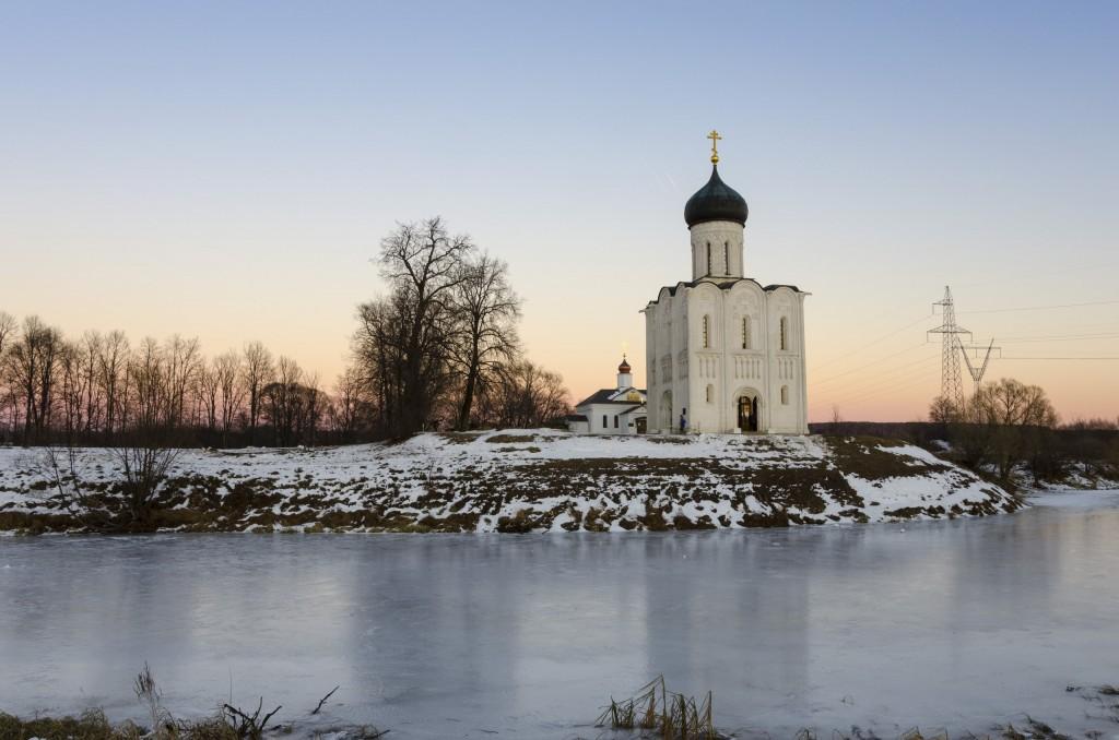 Церковь Покрова на Нерли в декабре 2017 01