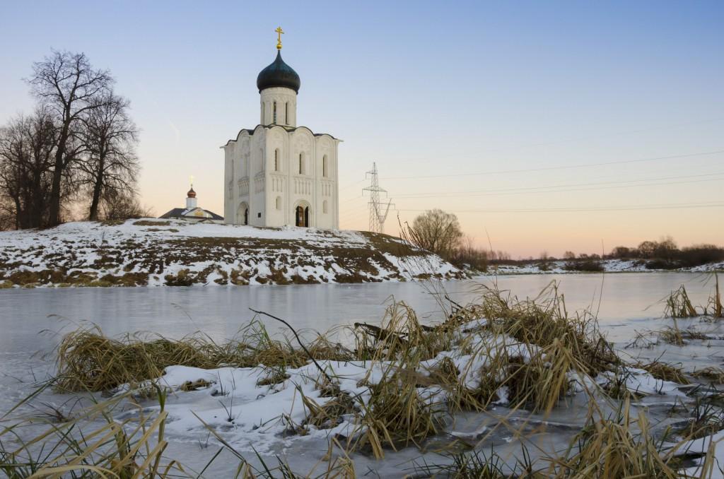Церковь Покрова на Нерли в декабре 2017 02