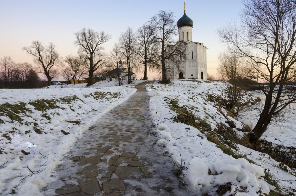 Церковь Покрова на Нерли в декабре 2017 04