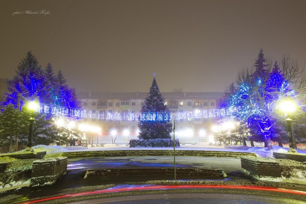 Новогодняя атмосфера на площади Мурома (Вербовский микрорайон, площадь Прокуророва) 01