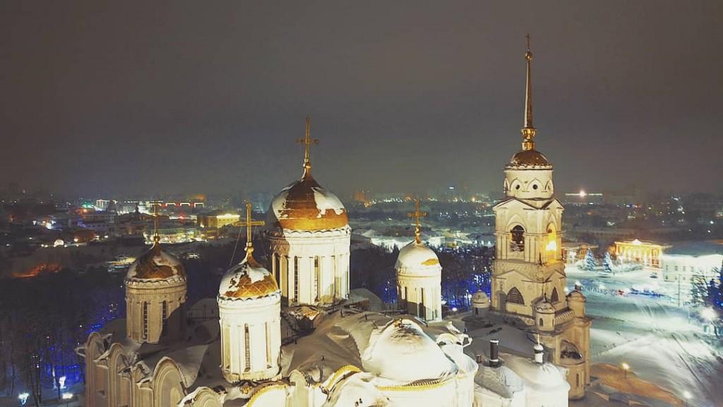 Золотые купола Успенского собора