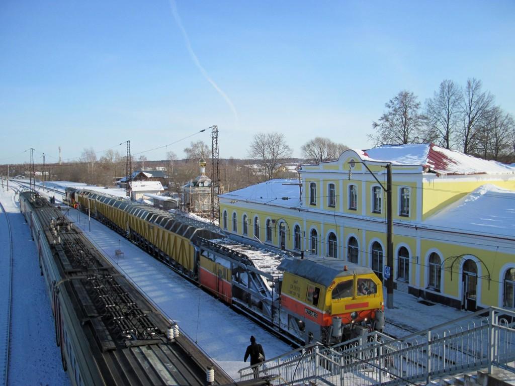 Станция Гороховец в зимний солнечный день 01