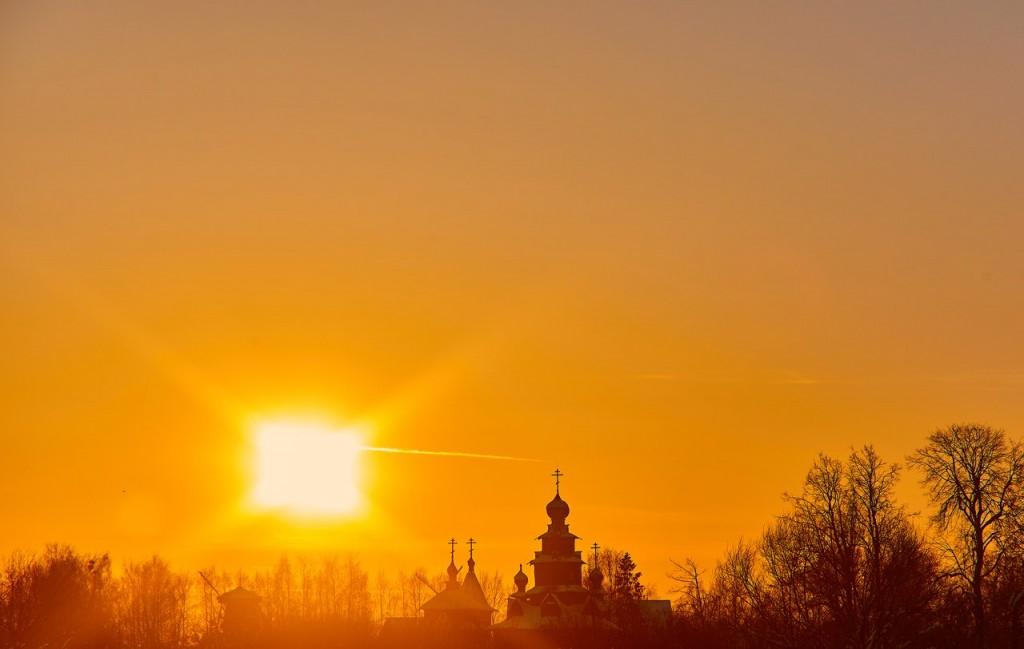 Февральский закат в Суздале 01