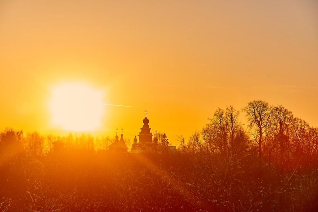 Февральский закат в Суздале 03