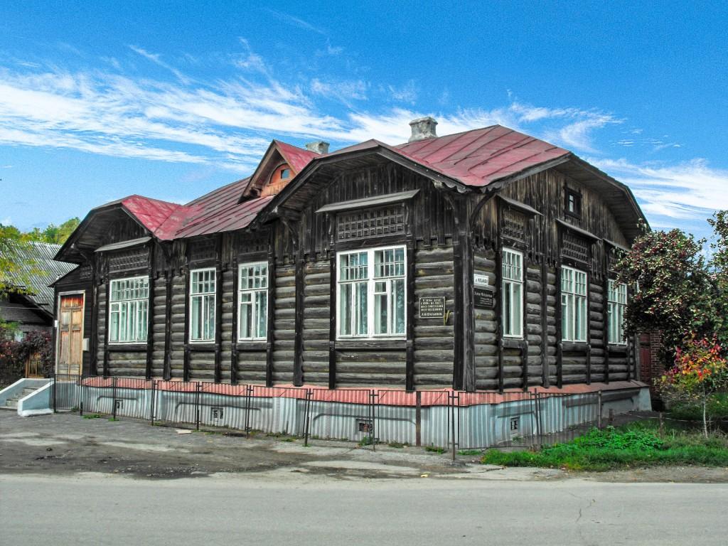 Дом Вязниковского поэта-песенника Фатьянова Алексея Ивановича