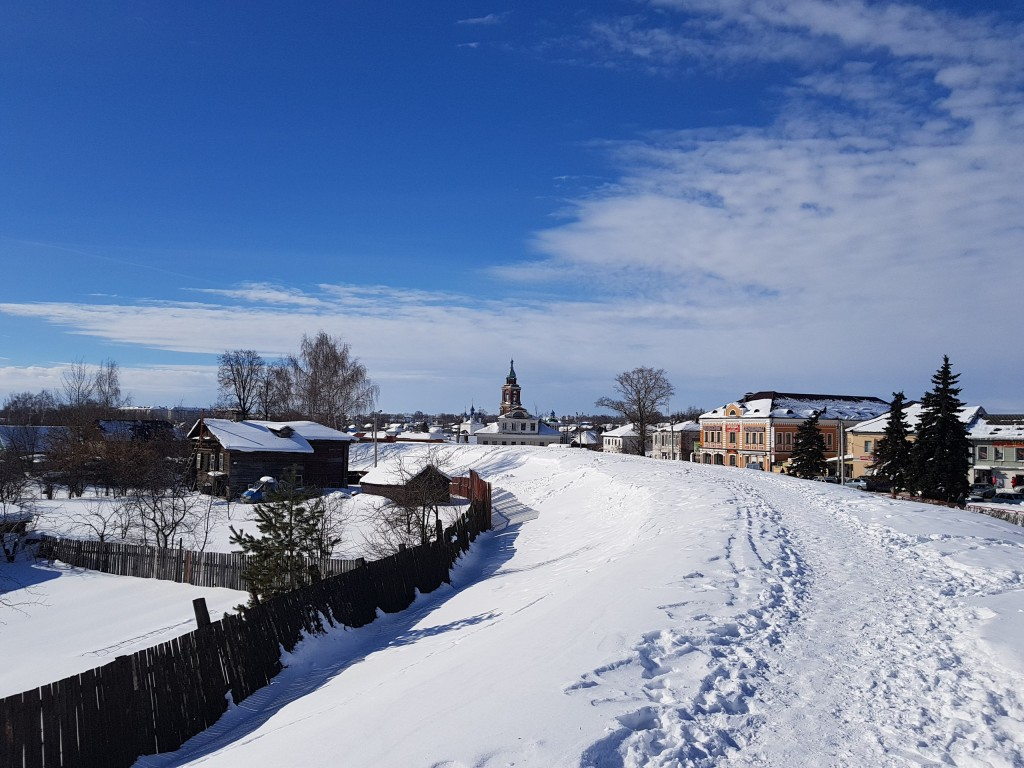 Юрьев-Польский. Март. Виды центра с высоты валов 03