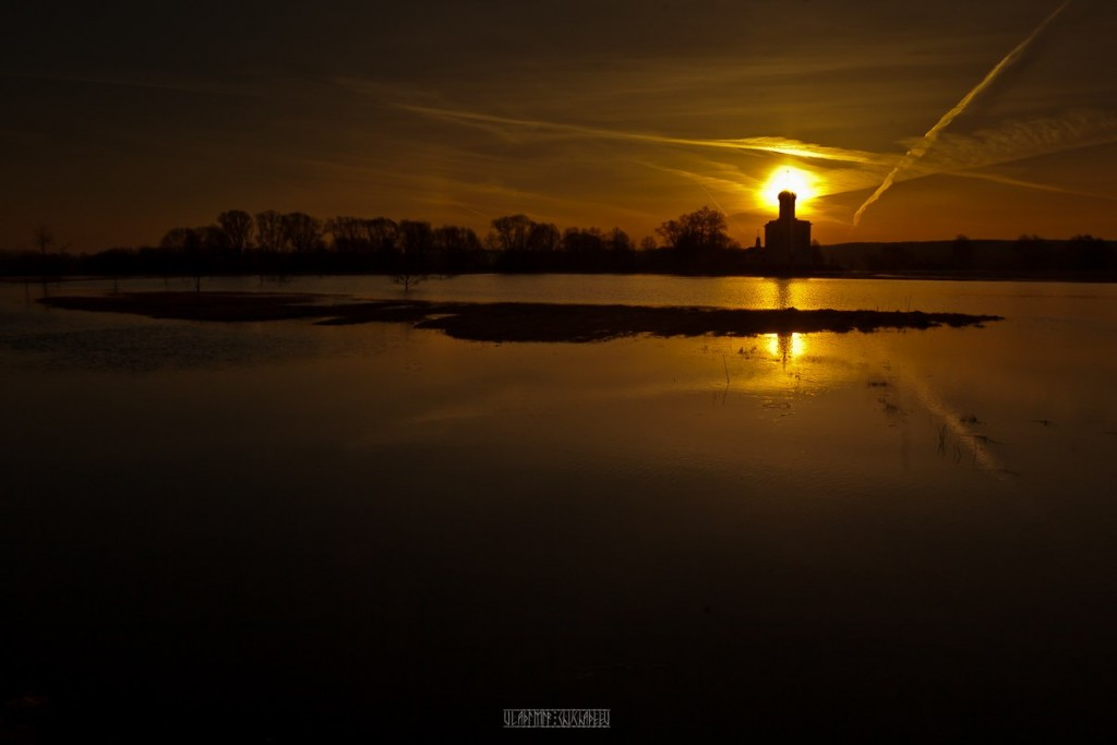 Апрельский рассвет Покрова На Нерли 05