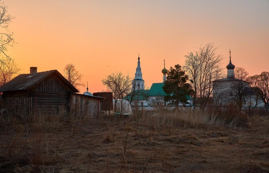 Закат в Кидекше (апрель, Суздальский район, храмовый комплекс Бориса и Глеба ) 02