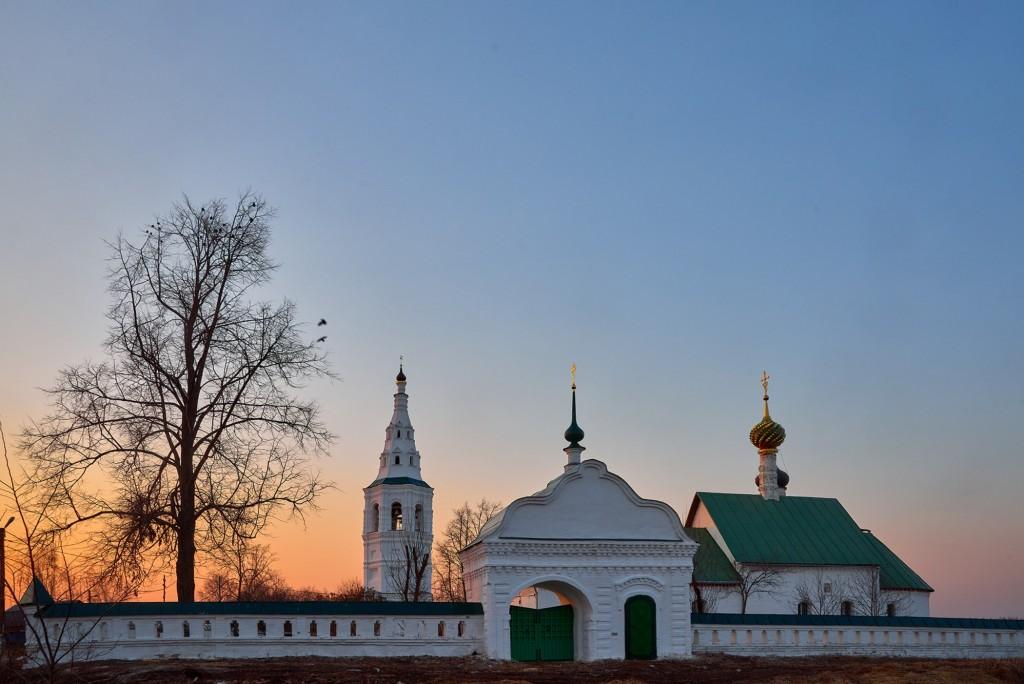 Закат в Кидекше (апрель, Суздальский район, храмовый комплекс Бориса и Глеба ) 04