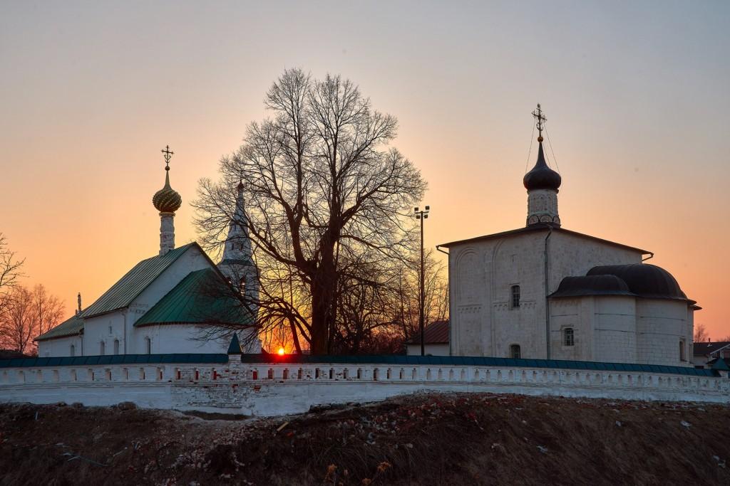 Закат в Кидекше (апрель, Суздальский район, храмовый комплекс Бориса и Глеба ) 06