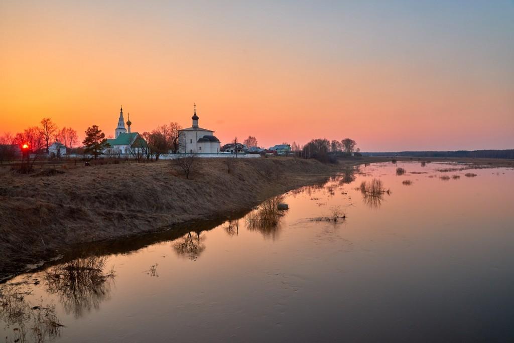 Закат в Кидекше (апрель, Суздальский район, храмовый комплекс Бориса и Глеба ) 08