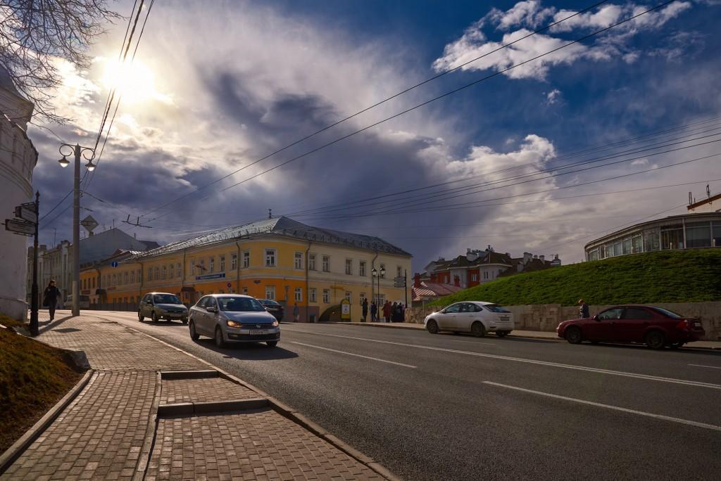 Красивое облачное, предгрозовое небо над Владимиром ( апрель 2018 ) 02
