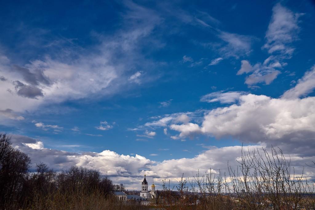 Красивое облачное, предгрозовое небо над Владимиром ( апрель 2018 ) 04