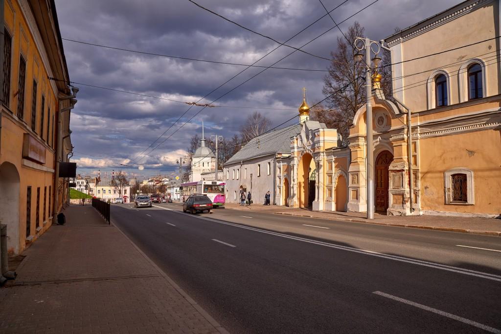 Красивое облачное, предгрозовое небо над Владимиром ( апрель 2018 ) 07