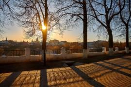Предзакатное… Когда и солнечно, и холодно, и трепетно… ( апрель, Владимир )