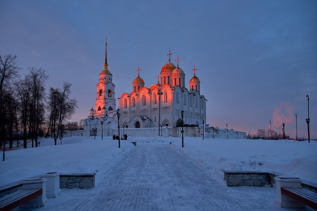 Удивительный мартовский закат во Владимире 01