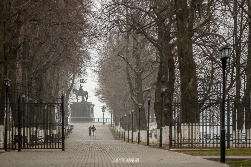 2018_04_22 Хмурь и снежок во Владимире 01