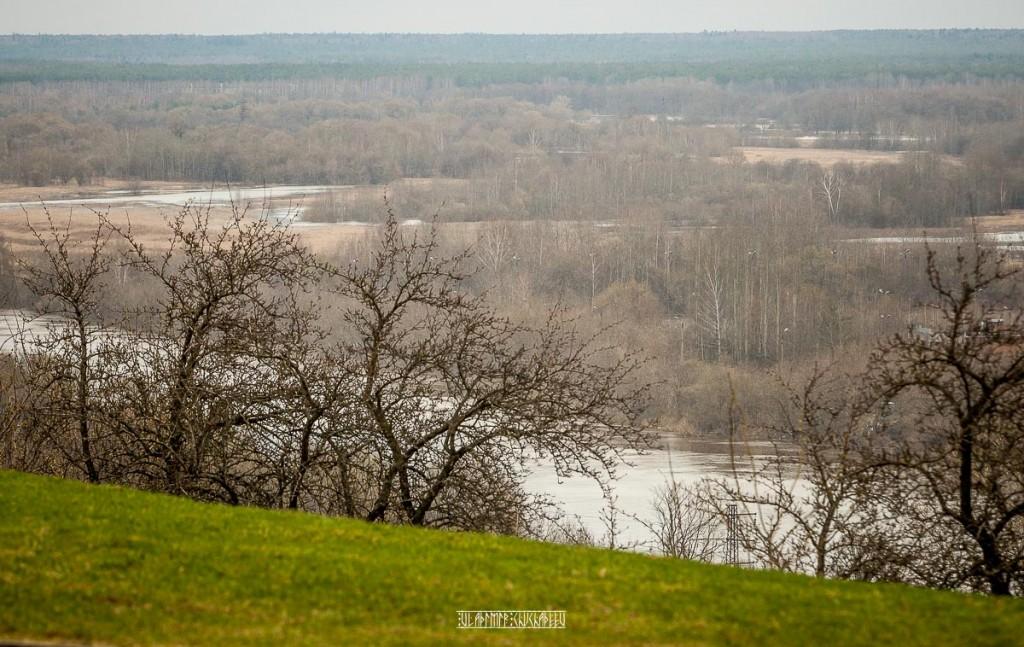 2018_04_22 Хмурь и снежок во Владимире 09