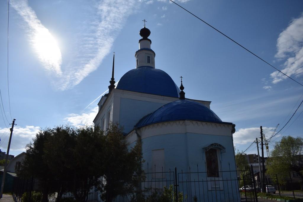 Сретенская церковь на улице Ломоносова во Владимире. Май. 03