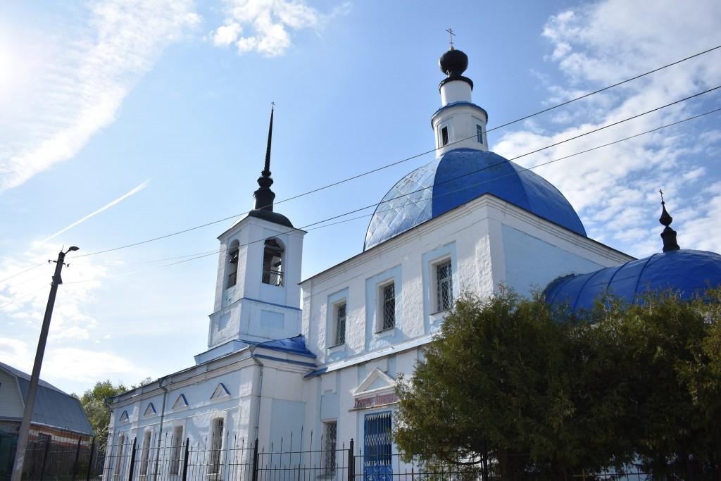 Сретенская церковь на улице Ломоносова во Владимире. Май. 04