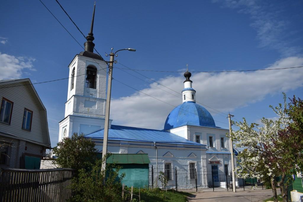 Сретенская церковь на улице Ломоносова во Владимире. Май. 05