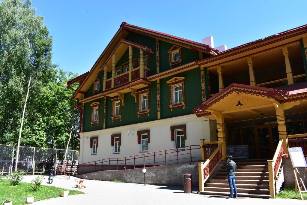 Парк Дружба и гостинично-ресторанный комплекс Русская деревня 10