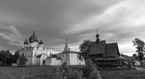 Суздаль. Кремль. Черно-белая серия