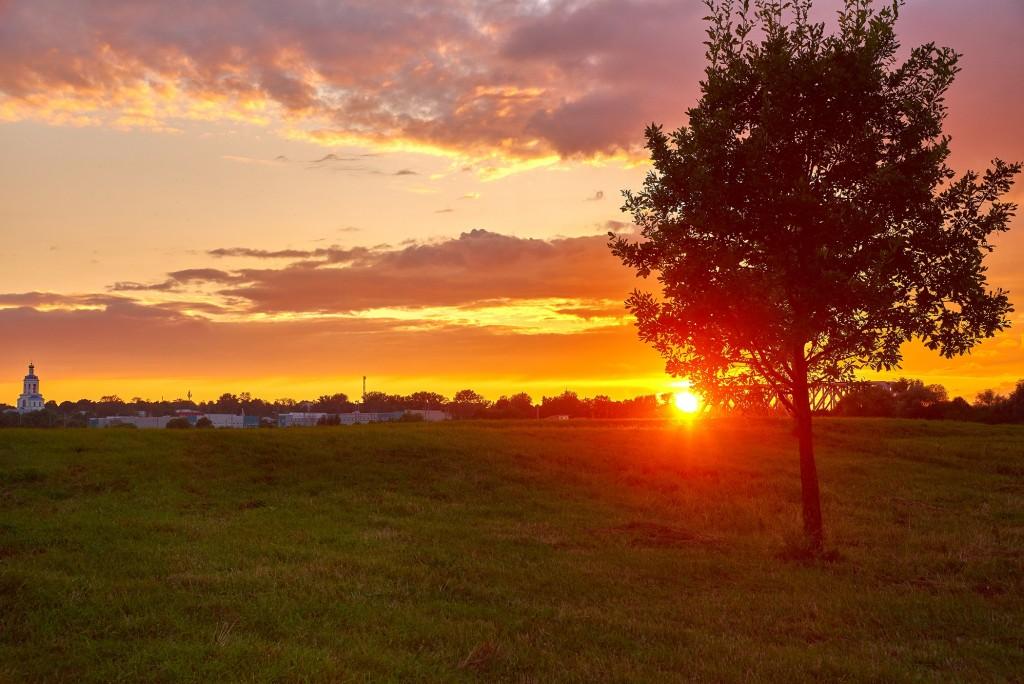 Покрова-на-Нерли... закатывающийся августовский день... 02