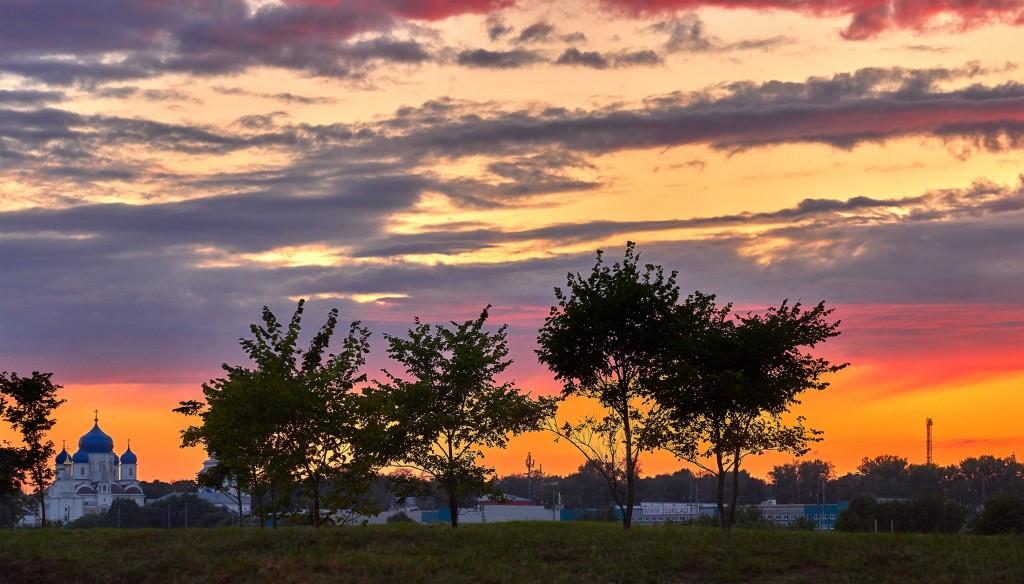 Покрова-на-Нерли... закатывающийся августовский день... 10