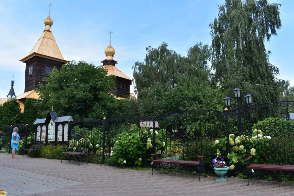 Троицкий монастырь в Муроме. Цветник. 06