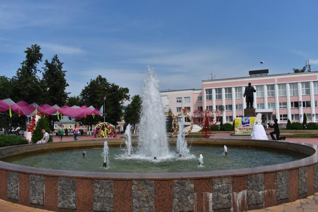 Муром, площадь 1100-летия Мурома и фонтан