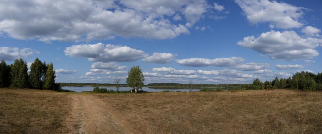 Панорама озера Богдаринского и Часовня Вознесения Господня 02
