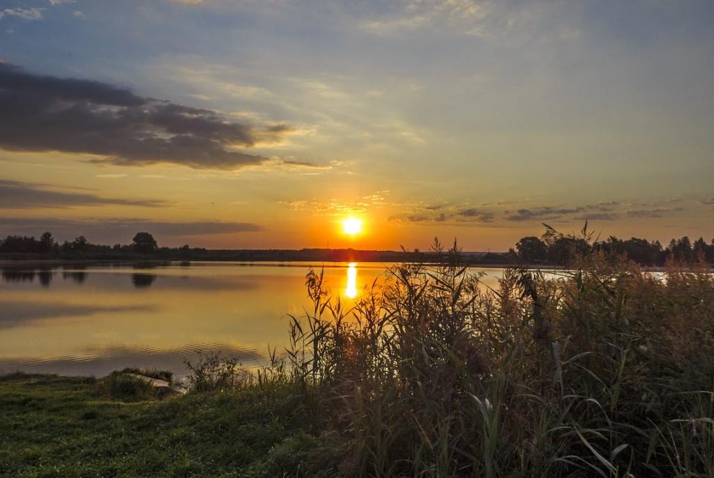 Рассвет на Якушевском озере 03