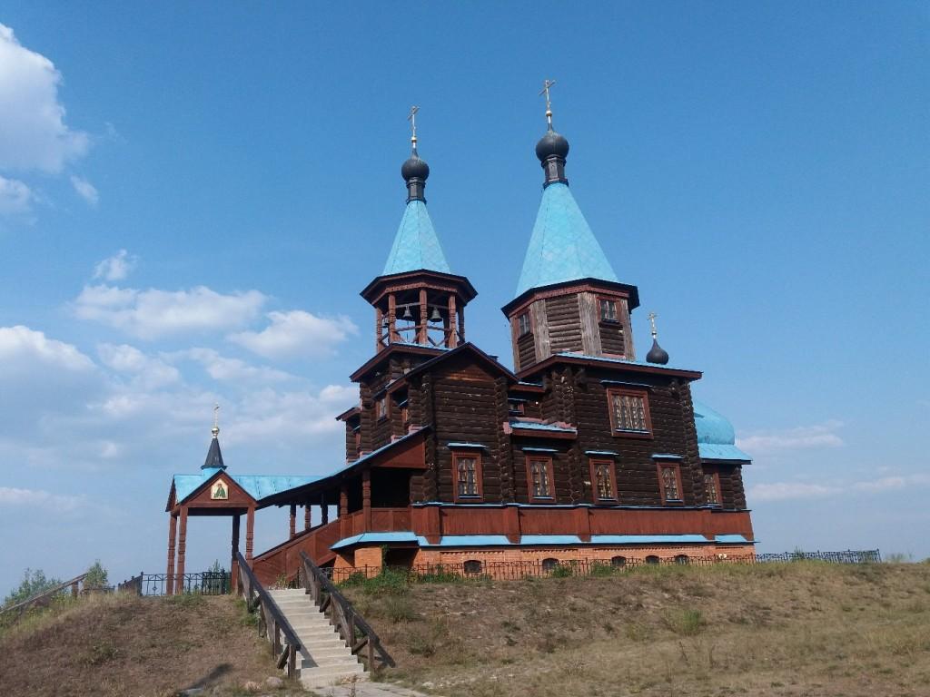 Храм Святых Жен Мироносиц. д.Крутово, Петушинский район 01