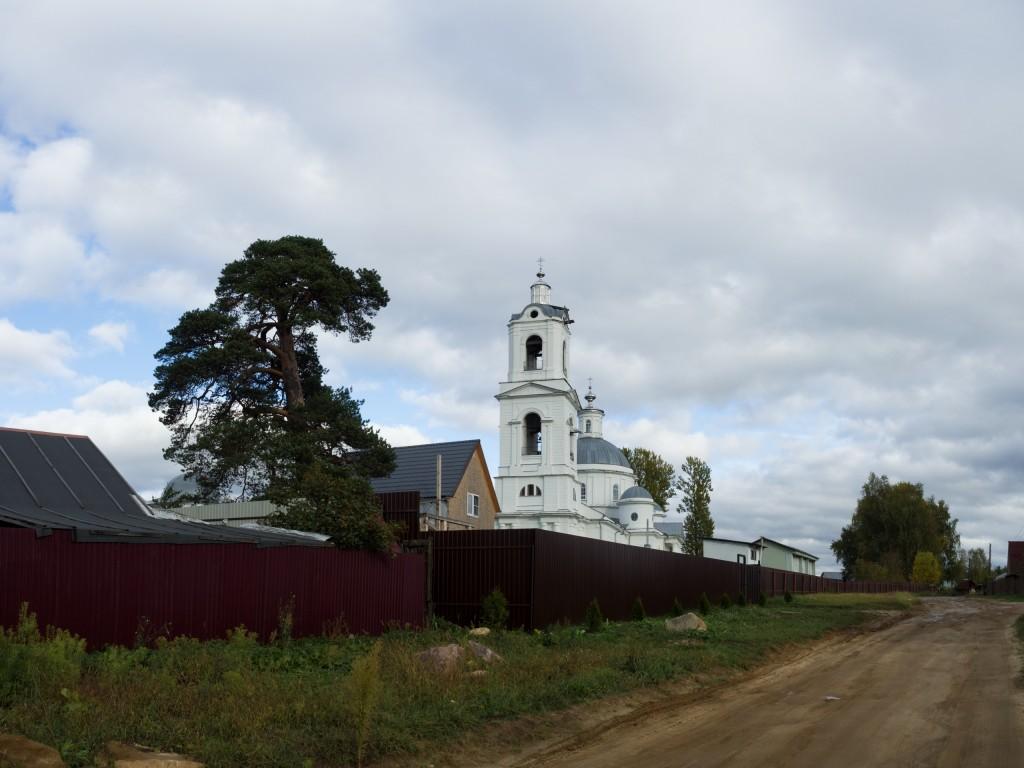 Церковь Иконы Божией Матери Тихвинская в д. Иваново.