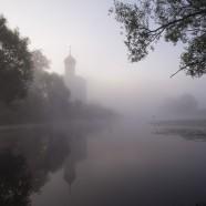 Церковь Покрова На Нерли в тумане