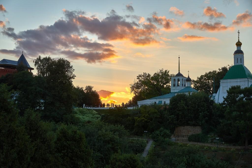г.Владимир, август 2018г., вид на исторический центр города со стороны Патриарших садов 02