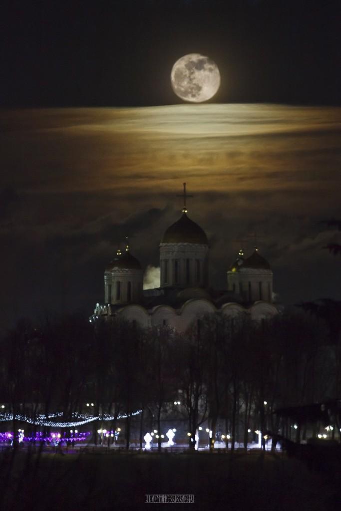 Полнолуние во Владимире 02