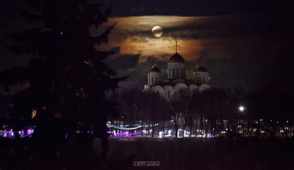 Полнолуние во Владимире 03