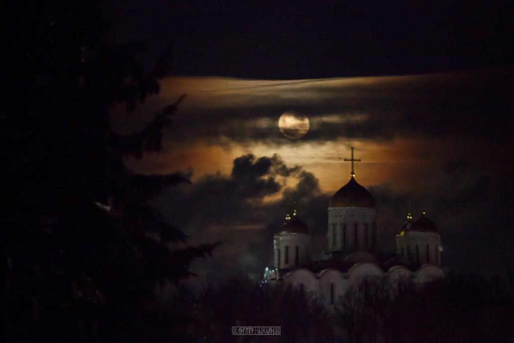 Полнолуние во Владимире 04
