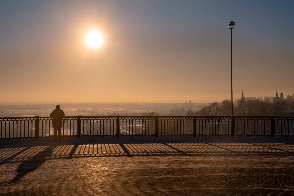 Шел за отражением Успенского собора, на удачу... а тут солнце выглянуло и пришлось задержаться) 06