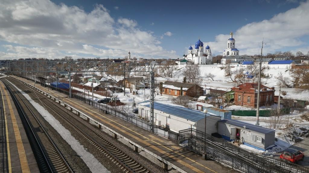 Вид на Боголюбово с железнодорожного моста, март 2019