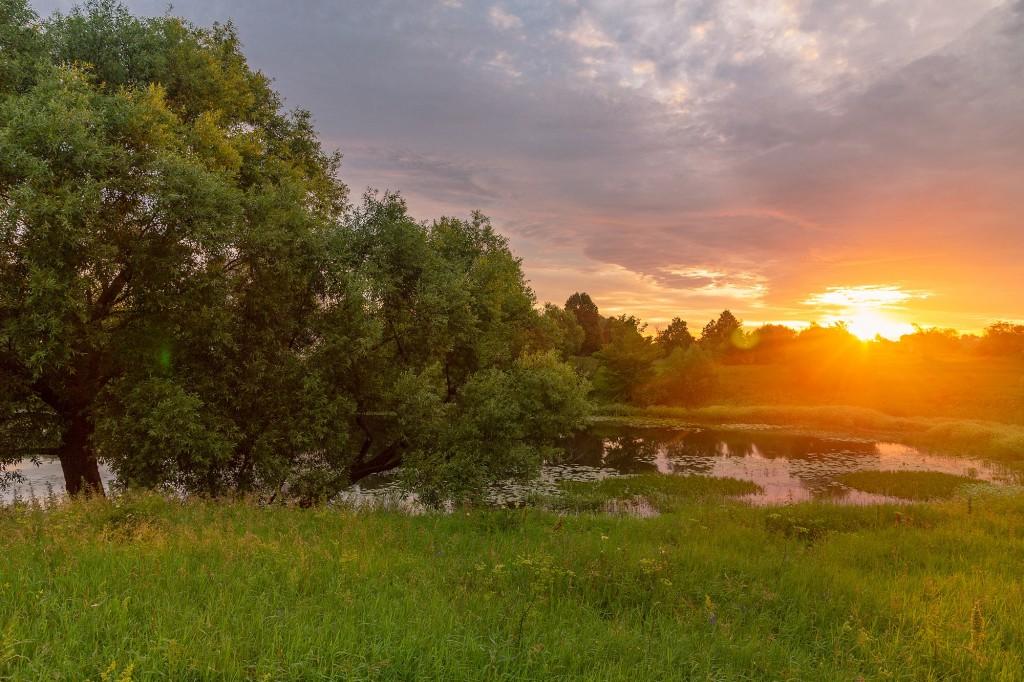 Чудесный, восхитительный рассвет на Покрова-на-Нерли. 09