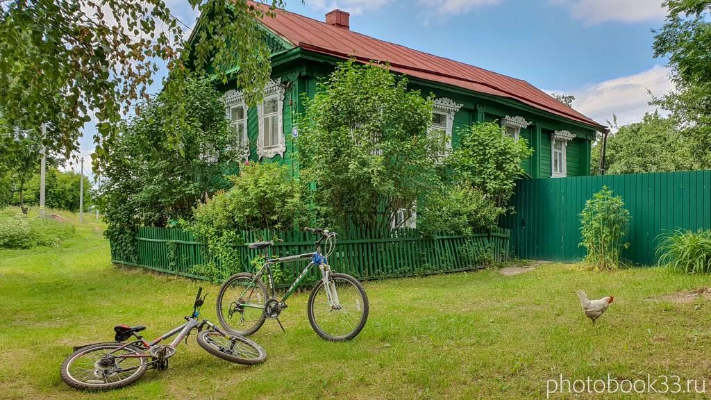 10 Двухэтажный деревянный дом в селе Урваново, Меленковский район